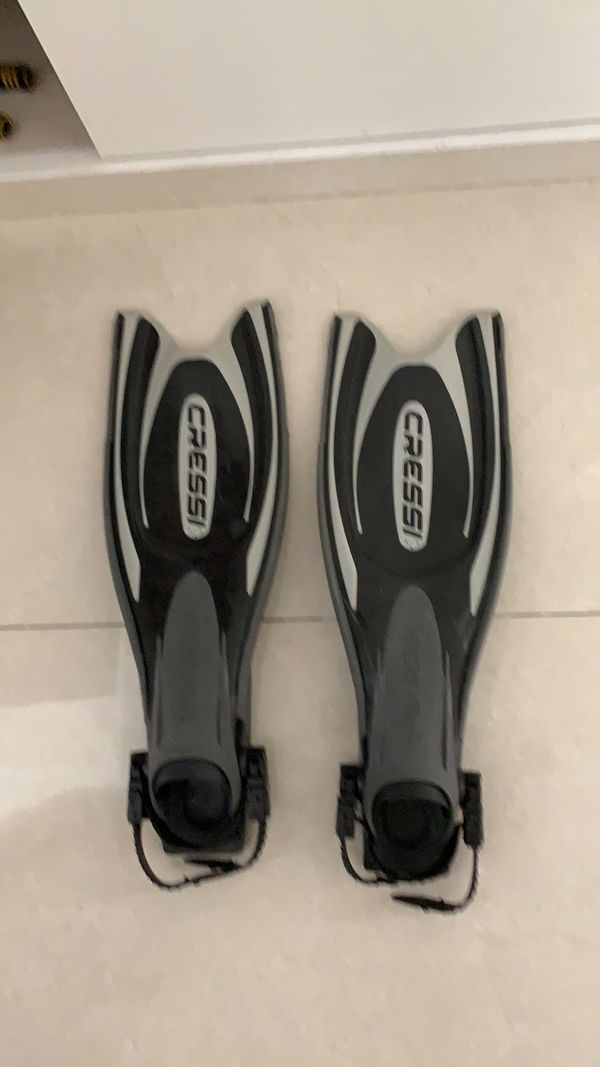 Scuba diving fins for rent