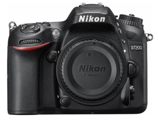 Nikon D 7200