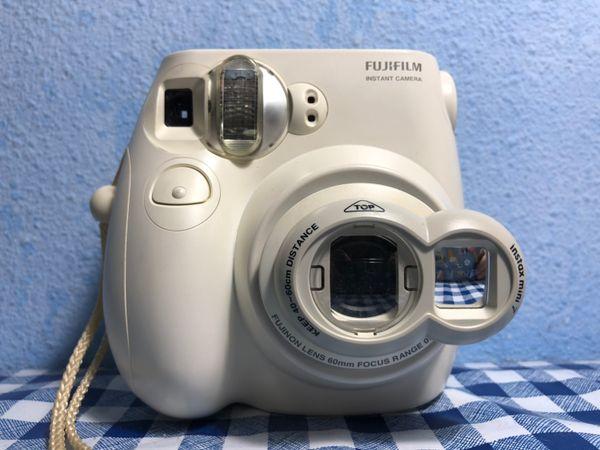 "Instax mini 7s FUJIFILM instant (""Polaroid"" CAMERA)"