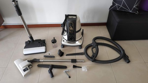 Delphine Vacuum With Aircon Jet Attachment