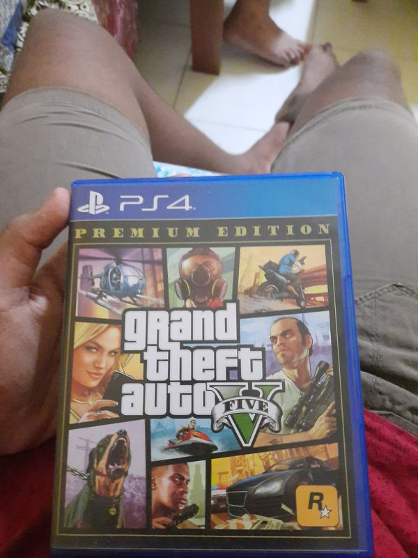 Ps4( GTA V Premium Edition)